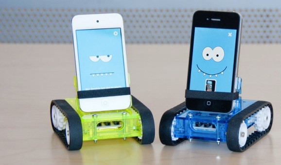 Romo Robotic Dock for Android and iOS Smartphone
